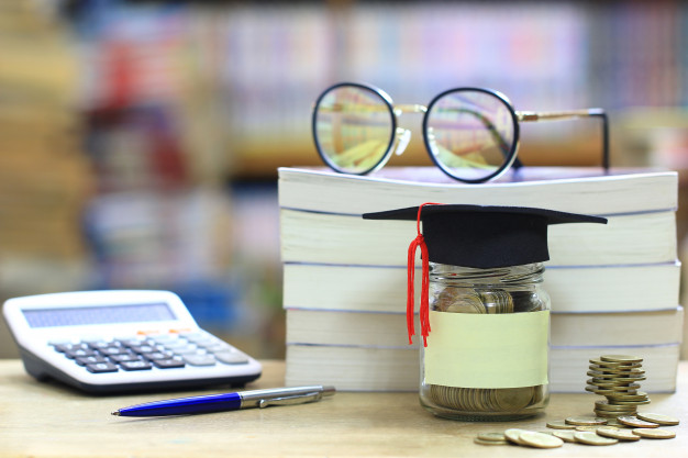 5 Ways How to Pay Off a Student Loan Debt Using Your Writing Skills