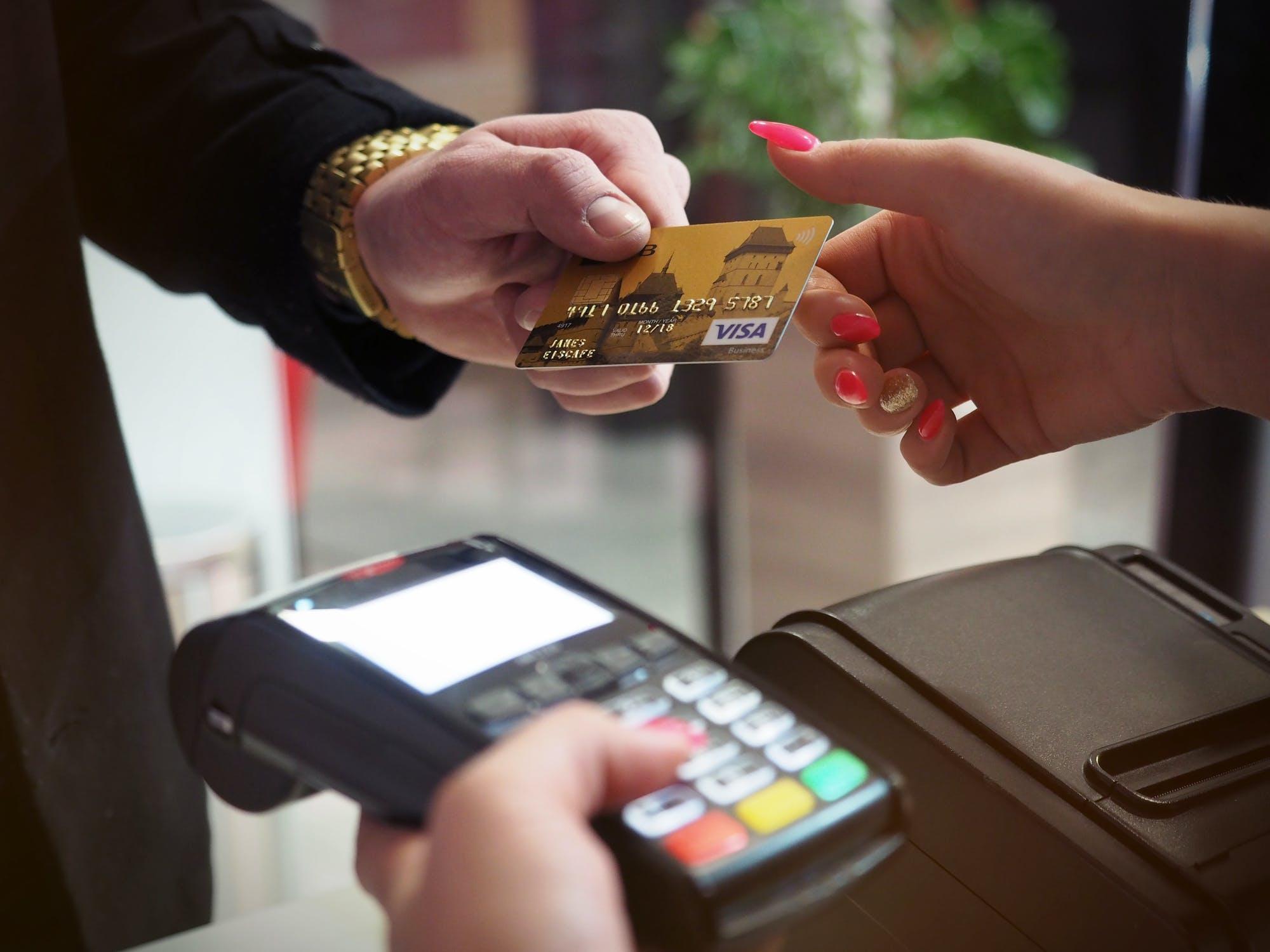 O que aconteceu com sua pontuação de crédito? 1